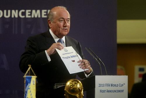 Blatter công bố Nam Phi là chủ nhà World Cup 2010