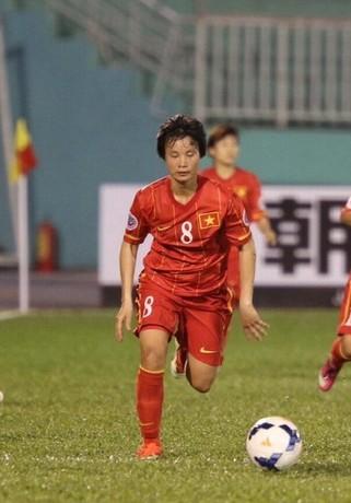 Minh Nguyệt lập cú đúp cho tuyển nữ Việt Nam
