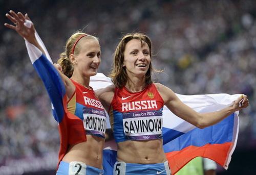HCV TVH 2012 Mariya Savinova (trái) và HCĐ Ekaterina Poistogova bị cấm thi đấu vĩnh viễn