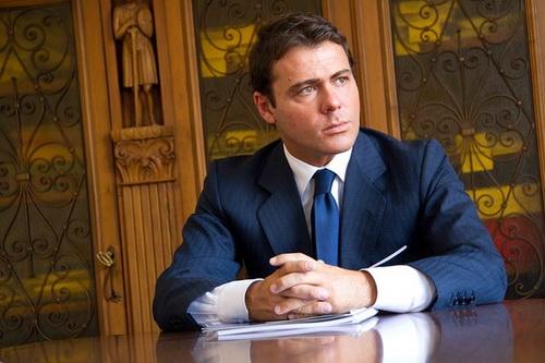 Nguyên bản nhân vật chính của phim, trùm bất động sản Alessandro Proto