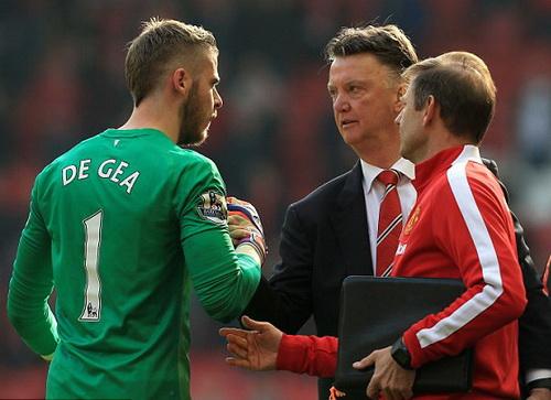 Mối quan hệ giữa De Gea và BHL Man United thắm thiết trở lại