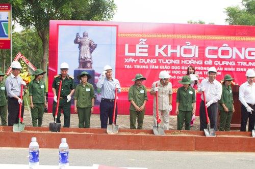 Lễ khởi công xây dựng tượng Hoàng đế Quang Trung ở ĐH Quốc gia TP HCM