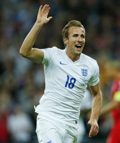 Harry Kane mở tỉ số, bàn thứ ba trong 4 trận đấu đầu tiên khoác áo Tam Sư