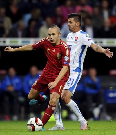 Andres Iniesta ghi bàn ấn định chiến thắng 2-0 cho Tây Ban Nha