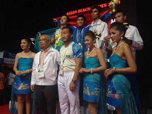 Tuyển thủ Muay Thái Nguyễn Trần Duy Nhất giành HCV tại ABG 4