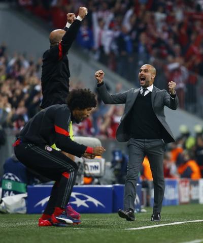 Vua Midas Pep Guardiola đến đâu, danh hiệu về đến đó