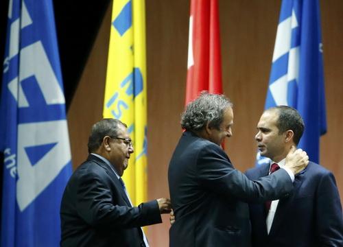 Michel Platini và hoàng thân Al Hussein đã thua Blatter ở cuộc bầu cử vừa qua