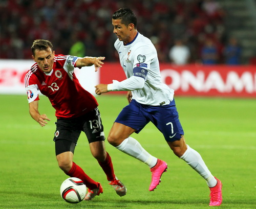 Ronaldo dẫn dắt hàng công Bồ Đào Nha