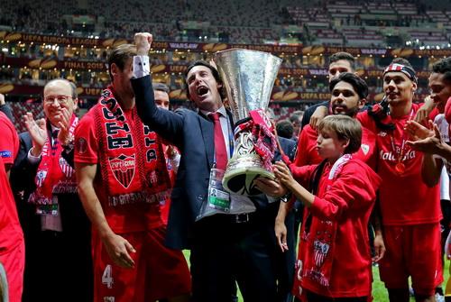 HLV Unai Emery đưa Sevilla đến danh hiệu thứ tư tại Europa League mùa trước