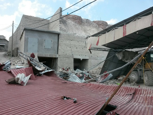 Tường và mái lò vôi bất ngờ sạt lở khiến 3 người chết thảm trong đống đổ nát