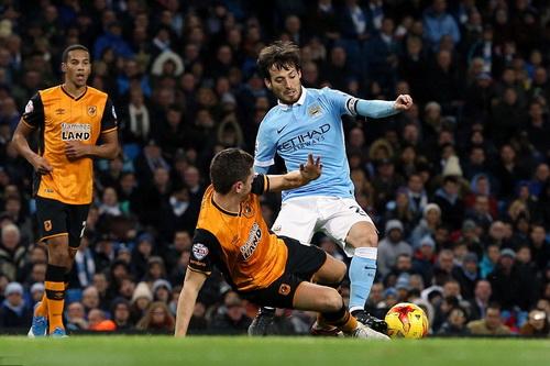 David Silva kịp trở lại, dẫn dắt thế trận Man City