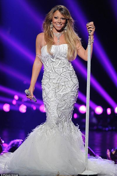 Danh ca Mariah Carey nhập viện khẩn cấp