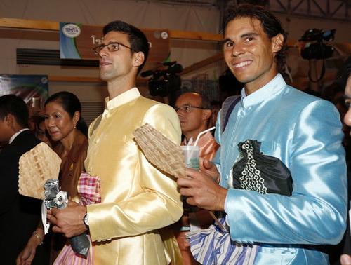 Lịch lãm trong trang phục truyền thống Thái Lan
