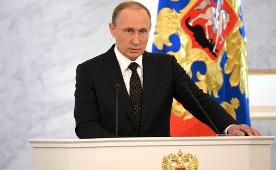 Ông Putin khẳng định vẫn còn nhiều phương tiện quân sự tốt hơn để sử dụng ở Syria nếu cần. Ảnh: KREMLIN.RU