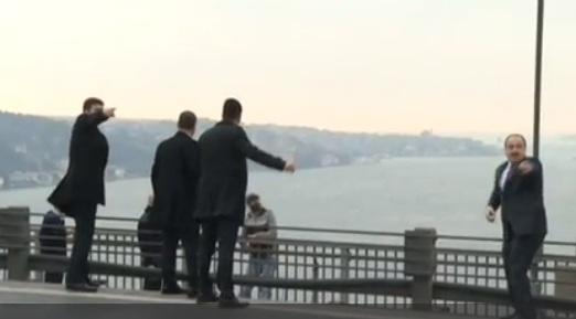 Tổng thống Thổ Nhĩ Kỳ cứu 1 người sắp tự tử