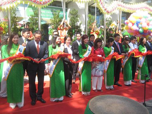 Vietcombank chi nhánh TPHCM chính thức hoạt động tại trụ sở mới