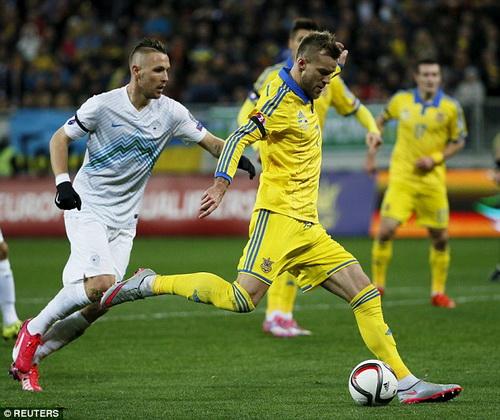 Yarmolenko mở tỉ số cho Ukraine
