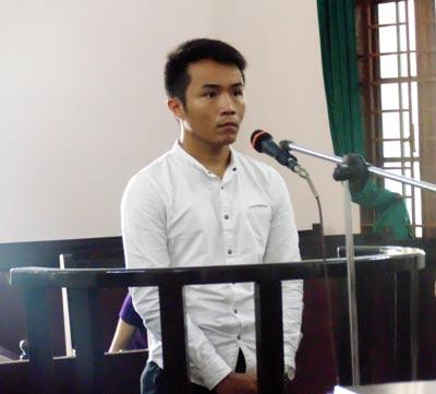 Nói lời sau cùng, bị cáo Phan Huỳnh Anh Khoa xin giảm nhẹ tội