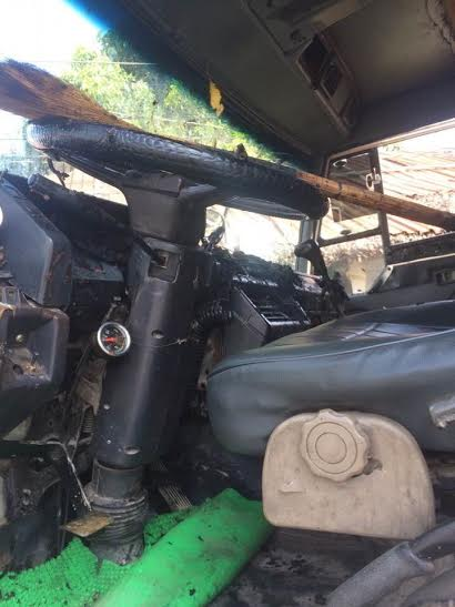 Buồng lái xe ben bị thiêu cháy