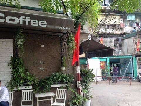 Quán cà phê trên đường Hào Nam của gia đình chị H.