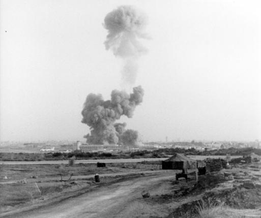 Vụ đánh bom ở Beirut – Lebanon năm 1983. Ảnh: Reuters