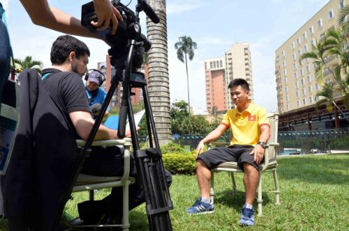 FIFA TV phỏng vấn tuyển thủ Trần Văn Vũ - ảnh: M.Q.