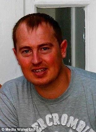 Simon Lewis thiệt mạng vì tai nạn giao thông khi mới 33 tuổi. Ảnh: Daily Mail