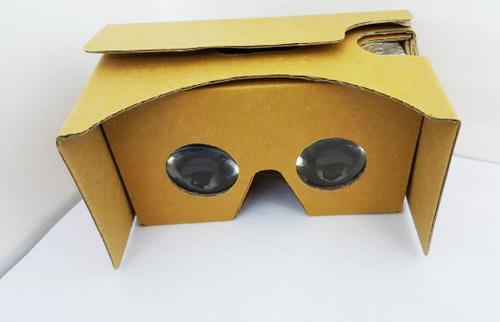 Google Cardboard được nhiều người mua để trải nghiệm vì giá rẻ.