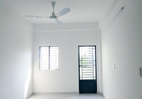 Bất chấp sự lấn lướt của căn hộ lớn, cao cấp và đắt đỏ, căn hộ nhỏ giá vừa túi tiền vẫn được bung hàng đều đặn và được xem là sản phẩm bền vững. Ảnh: Vũ Lê