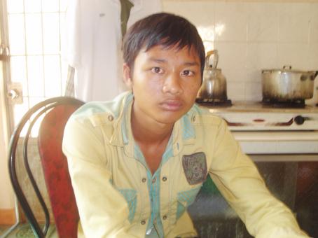 Nguyễn Trần Hoàng Thuận lúc mới bị công an bắt giữ.