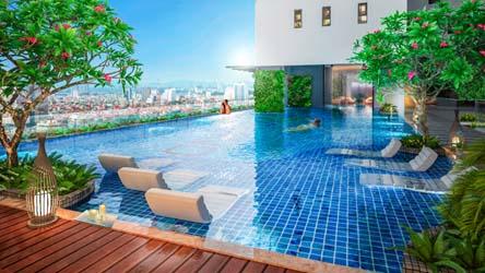 Hồ bơi sử dụng tối đa mảng xanh trong thiết kế, mang lại không gian xanh mát, trong lành