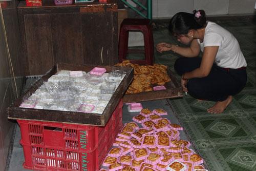 Khu vực sản xuất bánh trung thu của một cơ sở ở Đắk Lắk Ảnh: CAO NGUYÊN