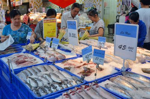 Hàng thủy sản vào siêu thị Big C phải chịu chiết khấu cao ngất. Ảnh: TẤN THẠNH