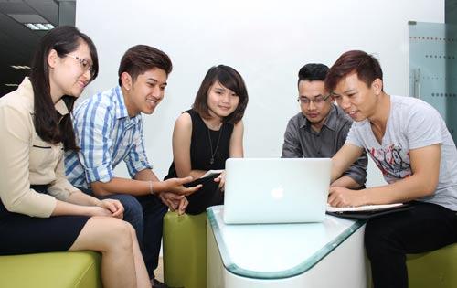 Doanh nghiệp thương mại điện tử Việt Nam phải thay đổi cách làm để tồn tại Ảnh: HOÀNG TRIỀU