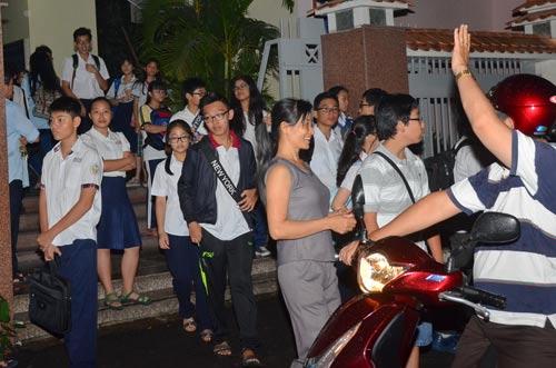 Học sinh tan học ở một trung tâm dạy thêm tại TP HCMẢnh: TẤN THẠNH