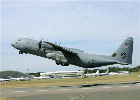Máy bay vận tải chiến thuật C-130. Ảnh: Reuters