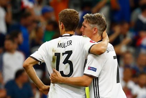 Muller và Schweinsteiger, 2 gương mặt gây thật vọng nhất của Đức ở Euro 2016 Ảnh: REUTERS