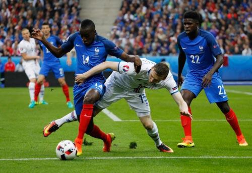 Matuidi (14) chơi rất tốt ở vị trí tiền vệ trung tâm cho tuyển Pháp tại Euro 2016 Ảnh: REUTERS