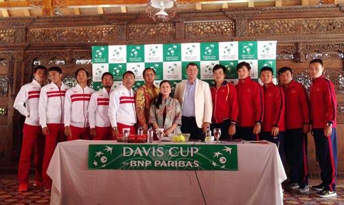 Hai đội Việt Nam và Indonesia trong buổi bốc thăm phân cặp đấu Ảnh: Ngọc Linh