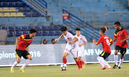 Các khán đài trống vắng khán giả khi U19 Việt Nam thắng U19 Timor Leste Ảnh: HẢI ANH