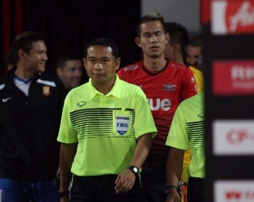 Trọng tài Thái Lan Teetichai Nualjan sẽ điều hành trận Long An - HAGL chiều tối 17-8 Ảnh: TFT