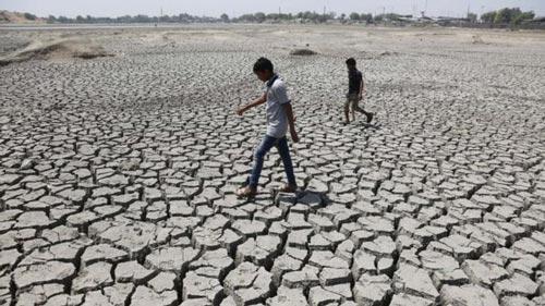 Ít nhất 330 triệu dân ở Ấn Độ bị ảnh hưởng do hạn hán Ảnh: AP