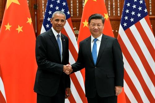 Chủ tịch Trung Quốc Tập Cận Bình (phải) tiếp Tổng thống Mỹ Barack Obama hôm 3-9 Ảnh: REUTERS