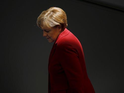 Thủ tướng Đức Angela Merkel đang đơn độc Ảnh: REUTERS