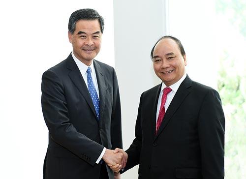 Thủ tướng Nguyễn Xuân Phúc hội kiến ông Lương Chấn Anh, Trưởng Đặc khu hành chính Hồng Kông - Trung Quốc Ảnh: VGP