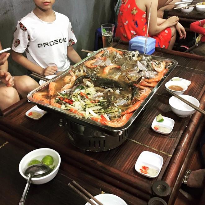 Hình ảnh thực tế của nồi lẩu 2 triệu đồng. Ảnh: Facebook nhà hàng.
