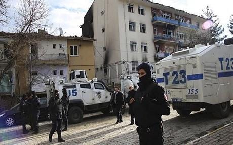 Cảnh sát chống khủng bố Thổ Nhĩ Kỳ tích cực truy quét IS những tháng gần đây. Ảnh: AP