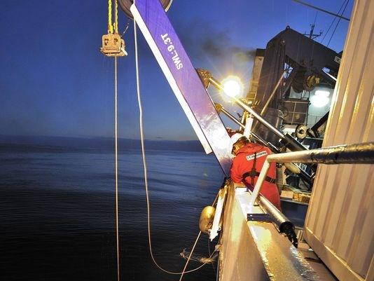 Tàu The John Lethbridge trong một sứ mệnh trục vớt hồi giữa tháng 6. Ảnh: 13NEWSNOW