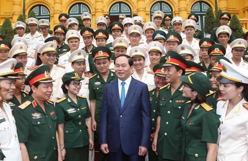 Chủ tịch nước Trần Đại Quang với các đại biểu tại buổi gặp mặt Ảnh: TTXVN