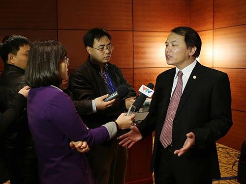 Phó Chánh Văn phòng Trung ương Đảng - ông Lê Quang Vĩnh - trả lời báo chí vào chiều 24-1 Ảnh: TTXVN